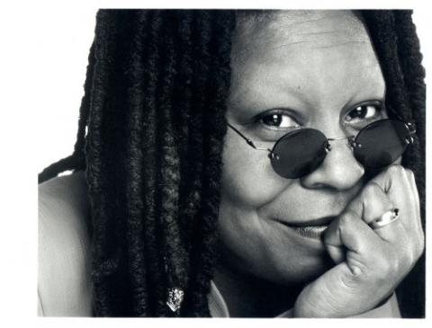 whoopi-goldberg-photo-black-and-white