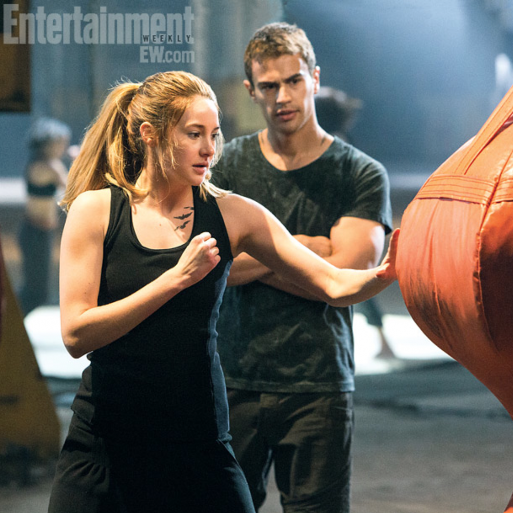-Divergent-still-tris-and-four-34776713-1000-1000