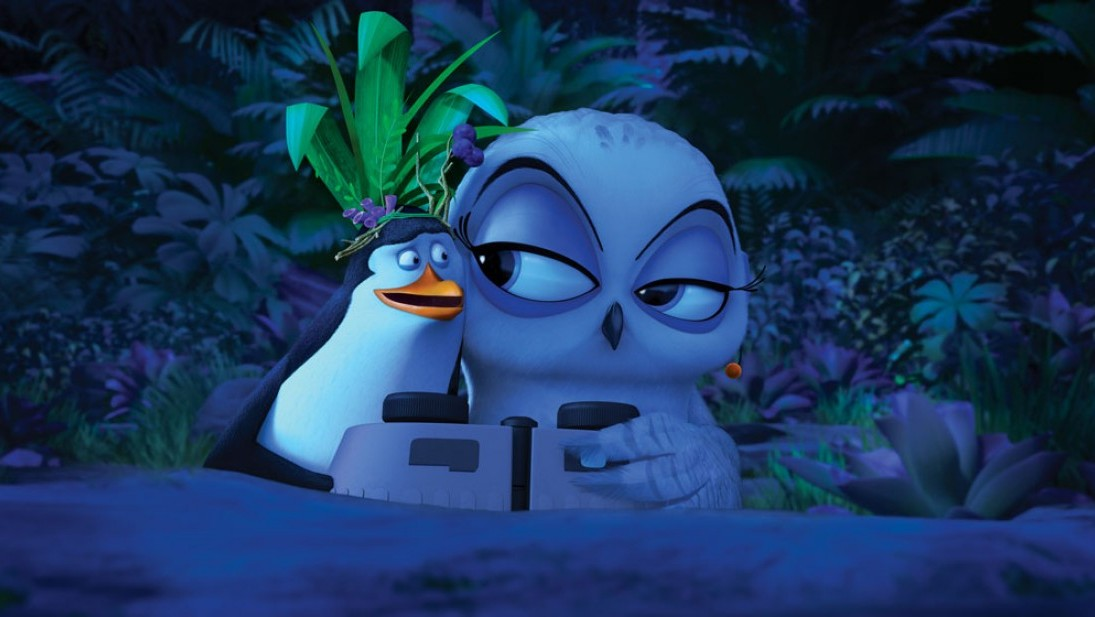 New-Screenshot-Eva-penguins-of-madagascar-37597912-1095-617
